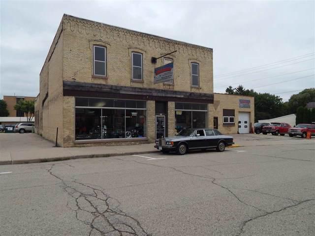 165 E Oak St, Juneau, WI 53039 (#1839933) :: HomeTeam4u