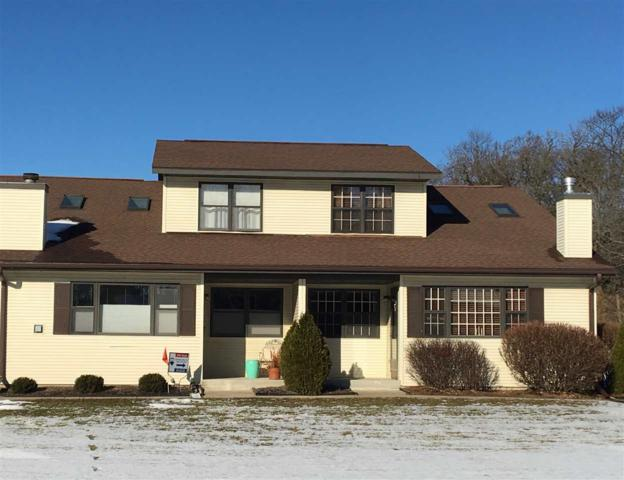 N6959 Rock Lake Rd, Lake Mills, WI 53551 (#1840376) :: HomeTeam4u