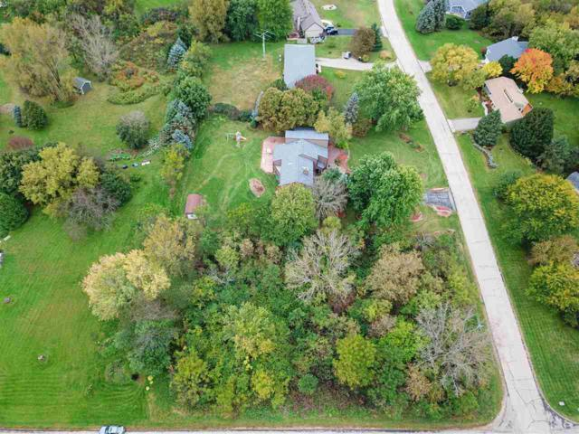 L56 Enchanted Valley Estates, Middleton, WI 53562 (#1841901) :: Nicole Charles & Associates, Inc.