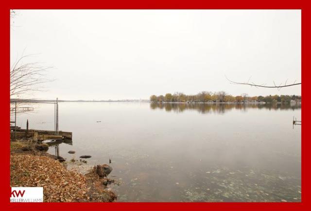 16 Waunona Woods Ct, Madison, WI 53713 (#1843373) :: Nicole Charles & Associates, Inc.