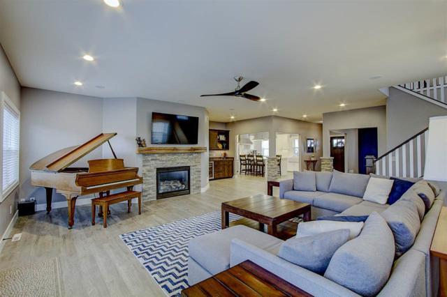 438 Riviera St, Oregon, WI 53575 (#1849524) :: Nicole Charles & Associates, Inc.