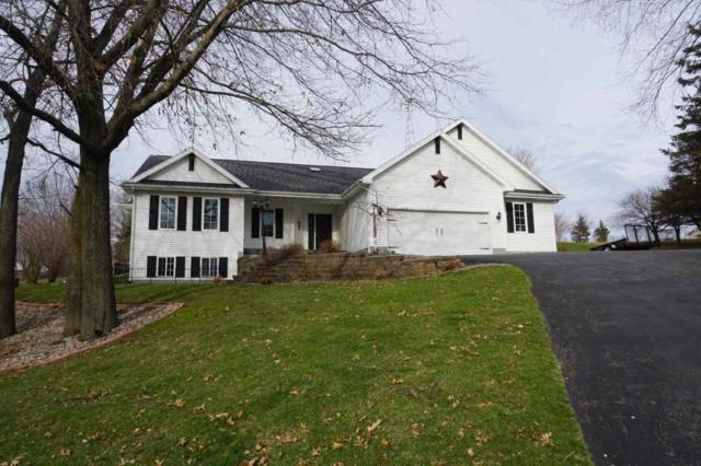 S1338 Remington Ct, La Valle, WI 53941 (#1851072) :: Nicole Charles & Associates, Inc.