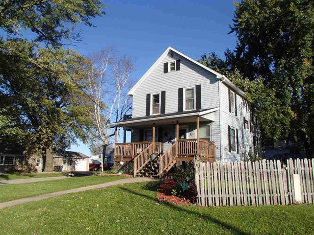 727 11th St, Monroe, WI 53566 (#1870577) :: HomeTeam4u