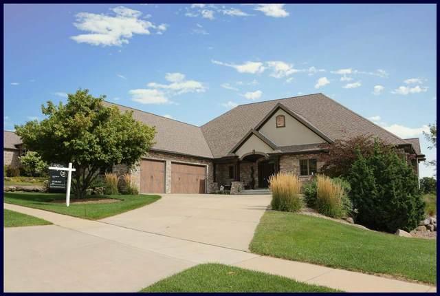 726 Pinnacle Dr, Lake Mills, WI 53551 (#1871672) :: HomeTeam4u