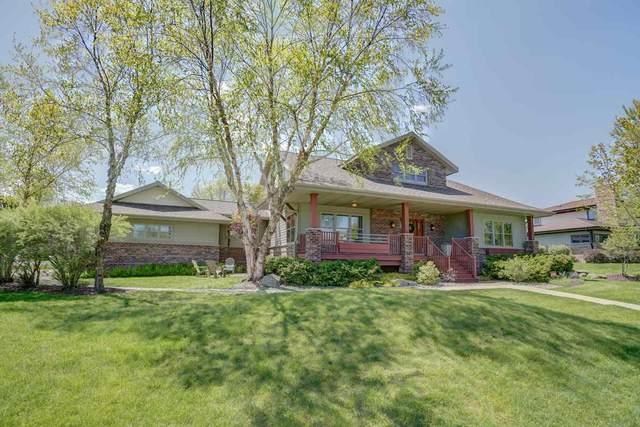 1002 Winding Way, Madison, WI 53562 (#1883419) :: HomeTeam4u