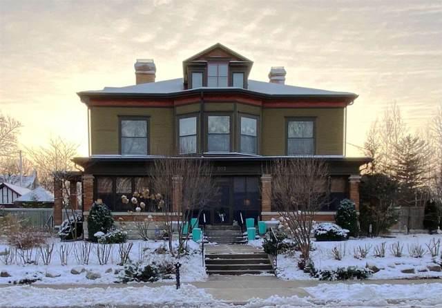 202 Sinclair St, Janesville, WI 53545 (#1899105) :: HomeTeam4u