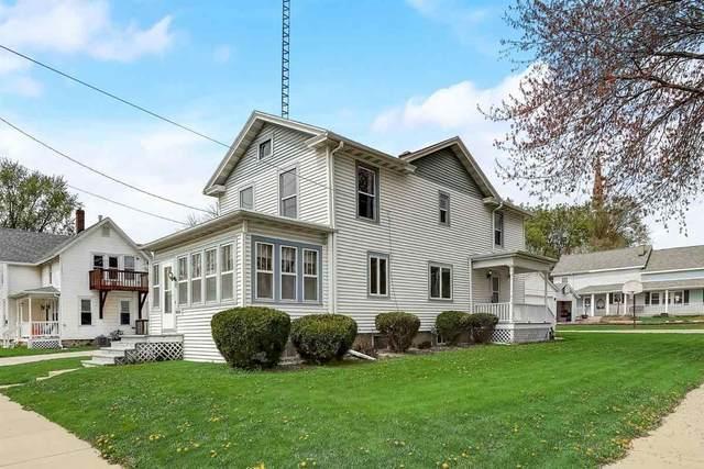327 E Racine St, Jefferson, WI 53549 (#1907774) :: Nicole Charles & Associates, Inc.