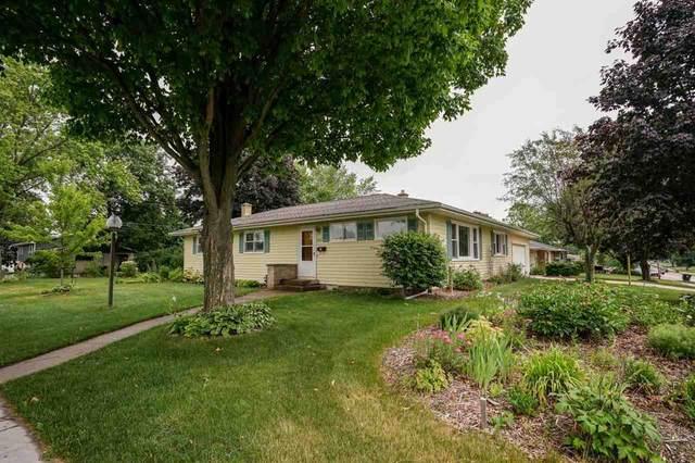 803 North St, Sun Prairie, WI 53590 (#1911483) :: HomeTeam4u