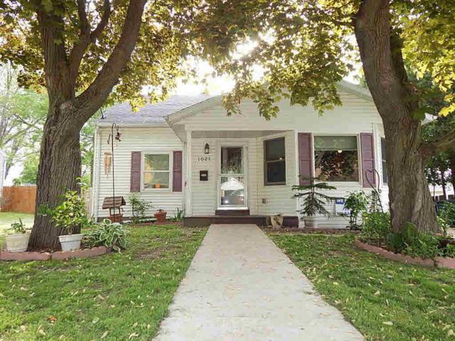 1021 S Gafke Ave, Jefferson, WI 53549 (#354688) :: Nicole Charles & Associates, Inc.