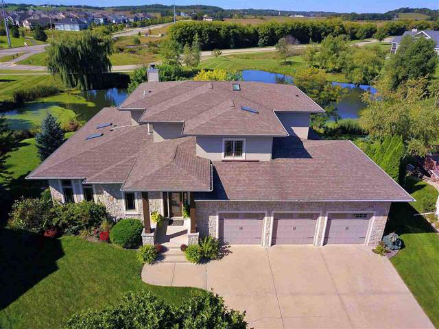 902 Sunset Bay, Waunakee, WI 53597 (#1866683) :: Nicole Charles & Associates, Inc.