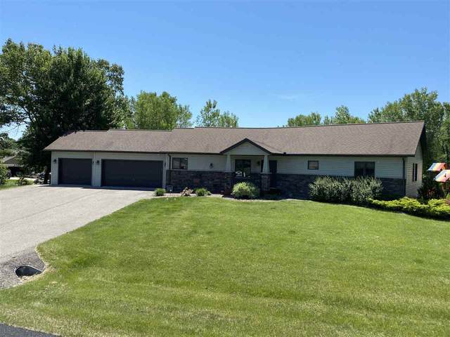 E9415 E Bay Hill Ct, Dellona, WI 53965 (#1880682) :: Nicole Charles & Associates, Inc.