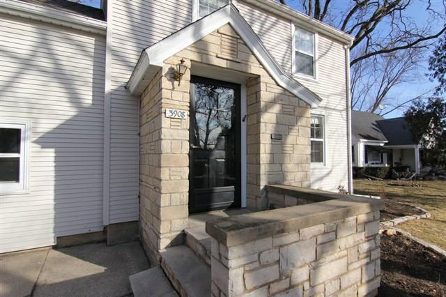 3908 Paunack Ave, Madison, WI 53711 (#1646238) :: Nicole Charles & Associates, Inc.