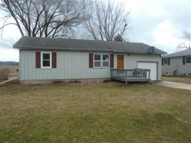 3024 Thinnes St, Cross Plains, WI 53528 (#1651774) :: Nicole Charles & Associates, Inc.