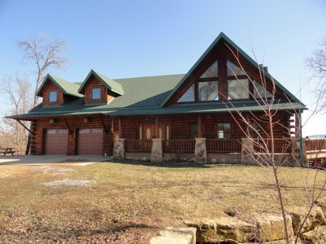 5115 Shamrock Ln, Waterloo, WI 53806 (#1794954) :: Nicole Charles & Associates, Inc.