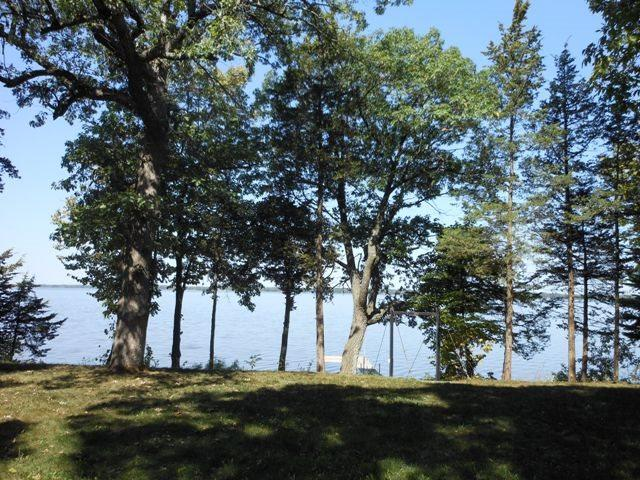 W6208 Lakeview Dr N, Marquette, WI 53946 (#1798260) :: Nicole Charles & Associates, Inc.