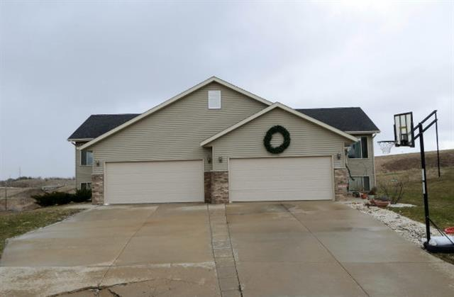 106-108 Temple Cir, Mount Horeb, WI 53572 (#1806071) :: Baker Realty Group, Inc.