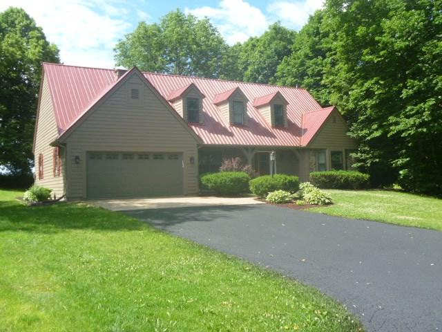 629 Hanks Hollow Tr, Deforest, WI 53532 (#1807009) :: Nicole Charles & Associates, Inc.