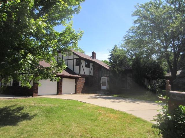 300 Crossing Ridge Ct, Sun Prairie, WI 53590 (#1807112) :: Baker Realty Group, Inc.