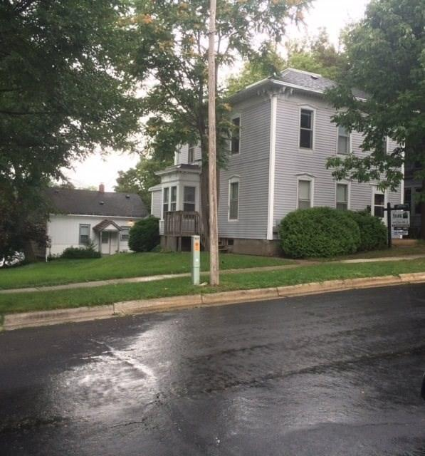 200-204 N Forrest St, Stoughton, WI 53589 (#1807291) :: Baker Realty Group, Inc.