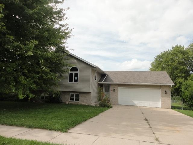 249 Victory St, Juneau, WI 53039 (#1812312) :: Baker Realty Group, Inc.