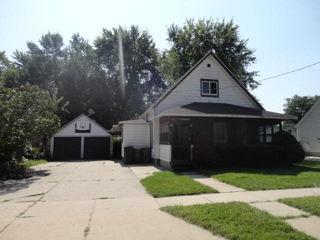 204 W Hamilton St, Fox Lake, WI 53933 (#1815035) :: HomeTeam4u