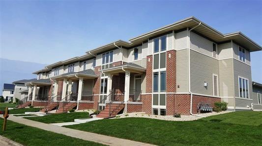 2541 New Town Dr, Sun Prairie, WI 53590 (#1818572) :: Nicole Charles & Associates, Inc.