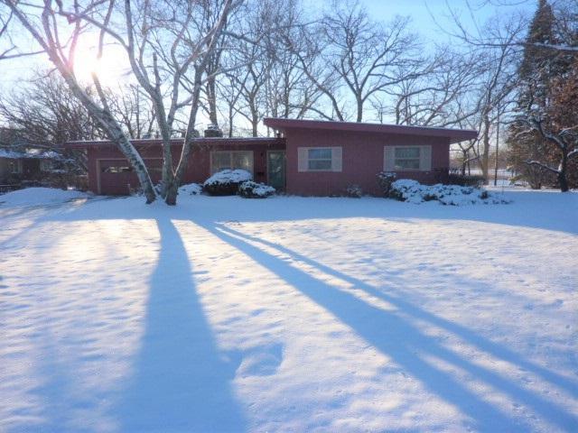 6554 Linden Cir, Windsor, WI 53598 (#1820713) :: Nicole Charles & Associates, Inc.