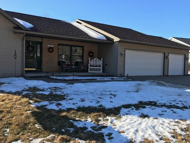 2201 Winfield Dr, Reedsburg, WI 53959 (#1822904) :: Nicole Charles & Associates, Inc.