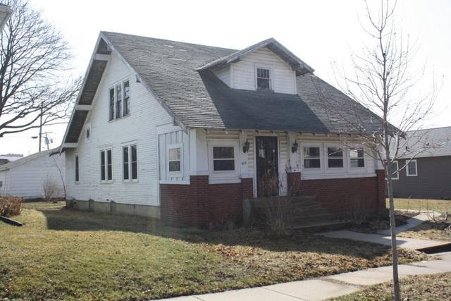 105 N Main St, Dodgeville, WI 53533 (#1827388) :: Nicole Charles & Associates, Inc.