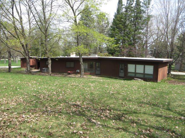 N4251 Lakeview Dr, Princeton, WI 53946 (#1830131) :: Nicole Charles & Associates, Inc.