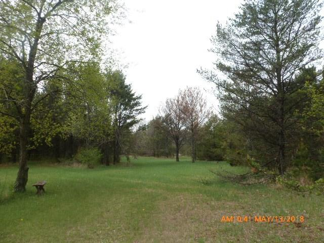 2904 Crestwood Ln, New Chester, WI 53936 (#1830309) :: Nicole Charles & Associates, Inc.