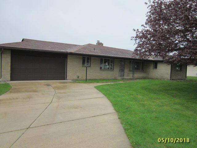 1204 31st Ave, Monroe, WI 53566 (#1831416) :: Nicole Charles & Associates, Inc.