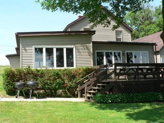 W10511 Blackhawk Tr, Fox Lake, WI 53933 (#1831698) :: Nicole Charles & Associates, Inc.