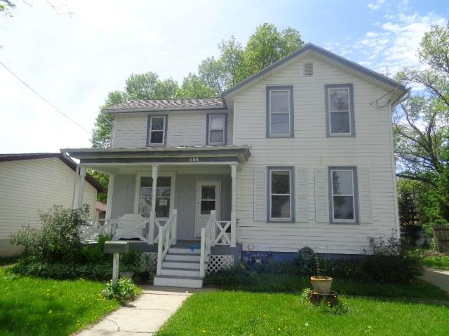 406 N Monroe St, Watertown, WI 53098 (#1833023) :: HomeTeam4u