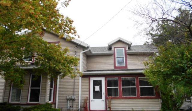 216 N Main St, Edgerton, WI 53534 (#1835141) :: Nicole Charles & Associates, Inc.