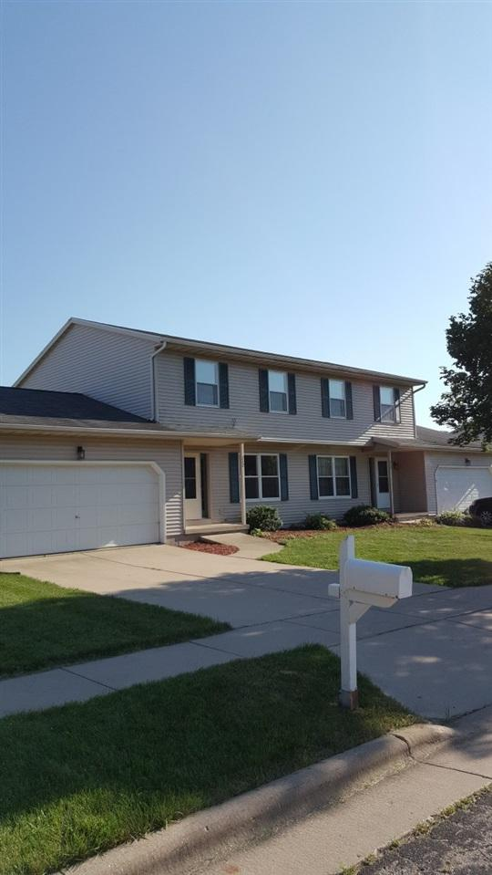 212 W Clover Ln, Cottage Grove, WI 53527 (#1835369) :: Nicole Charles & Associates, Inc.