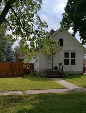 1324 E Holmes St, Janesville, WI 53545 (#1840979) :: Nicole Charles & Associates, Inc.
