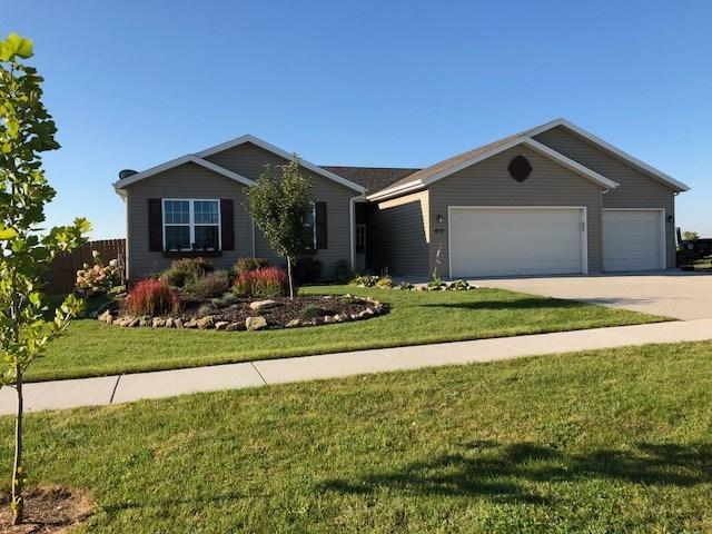 617 Covey Dr, Janesville, WI 53545 (#1841595) :: Nicole Charles & Associates, Inc.