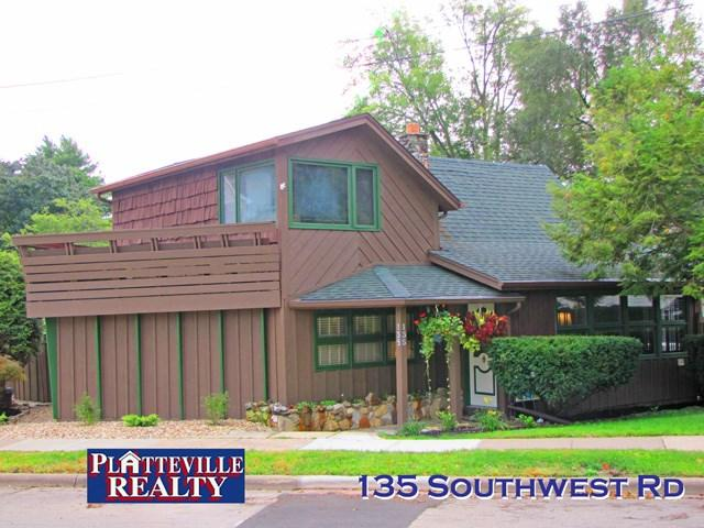 135 Southwest Rd, Platteville, WI 53818 (#1842020) :: HomeTeam4u