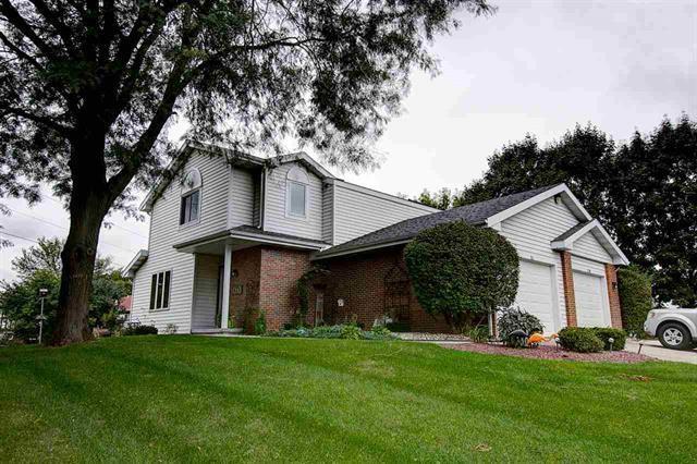711 Kingston Way, Waunakee, WI 53597 (#1843522) :: Nicole Charles & Associates, Inc.