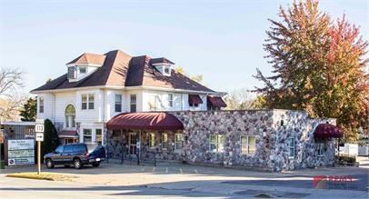 201 8th Ave, Baraboo, WI 53913 (#1844891) :: Nicole Charles & Associates, Inc.