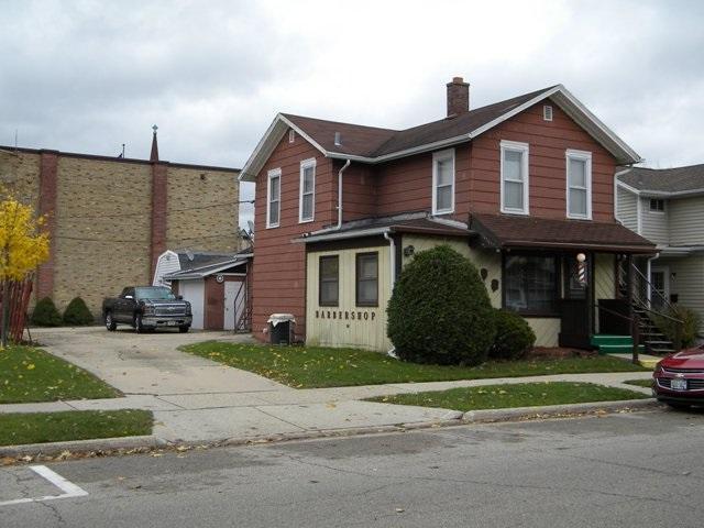 17 S Academy St, Janesville, WI 53545 (#1845227) :: Nicole Charles & Associates, Inc.