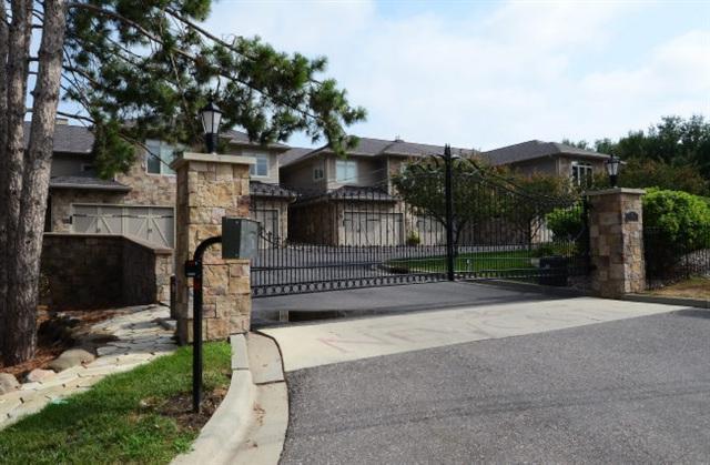 811 Canyon Rd, Lake Delton, WI 53965 (#1845346) :: Nicole Charles & Associates, Inc.