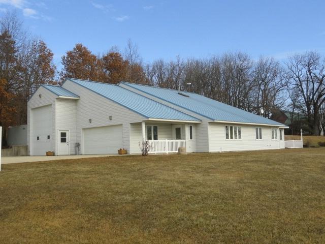 W2904 County Road Ee, Mount Pleasant, WI 53502 (#1848031) :: HomeTeam4u