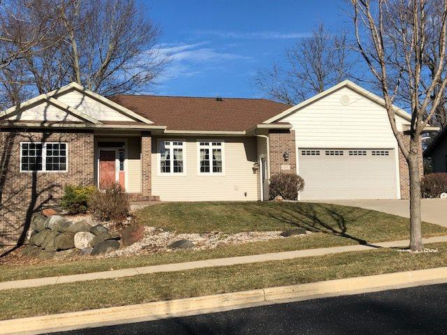 146 Pine View Dr, Madison, WI 53704 (#1849238) :: Nicole Charles & Associates, Inc.