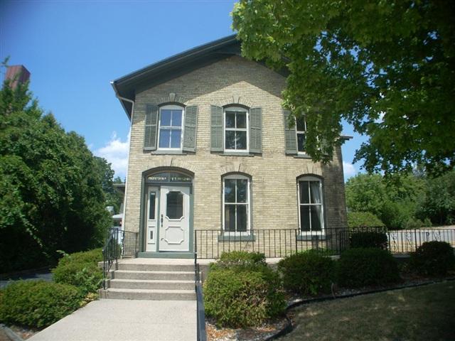 321 E Milwaukee St, Janesville, WI 53545 (#1849803) :: Nicole Charles & Associates, Inc.