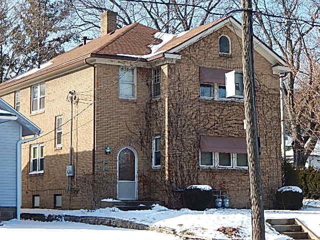 1401 20th St, Rockford, IL 61104 (#1850480) :: Nicole Charles & Associates, Inc.