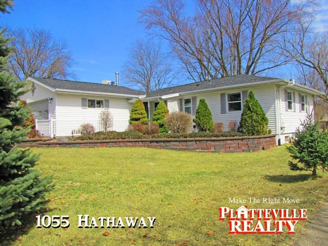 1055 Hathaway St, Platteville, WI 53818 (#1853203) :: Nicole Charles & Associates, Inc.