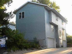 1321 Loftsgordon Ave, Madison, WI 53704 (#1853676) :: Nicole Charles & Associates, Inc.
