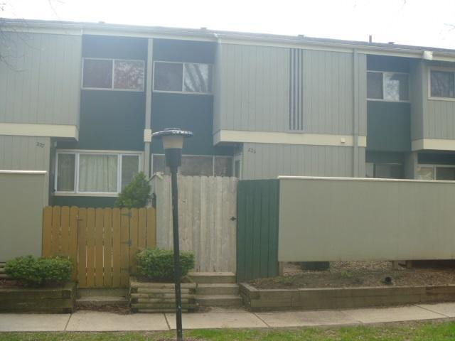 226 East Bluff, Madison, WI 53704 (#1856700) :: Nicole Charles & Associates, Inc.